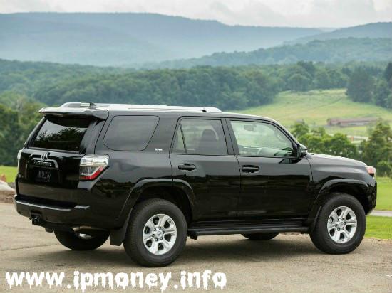 Toyota черный кузов сзади