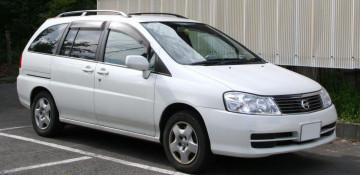Nissan Prairie III (M12) Компактвэн 1998—2004